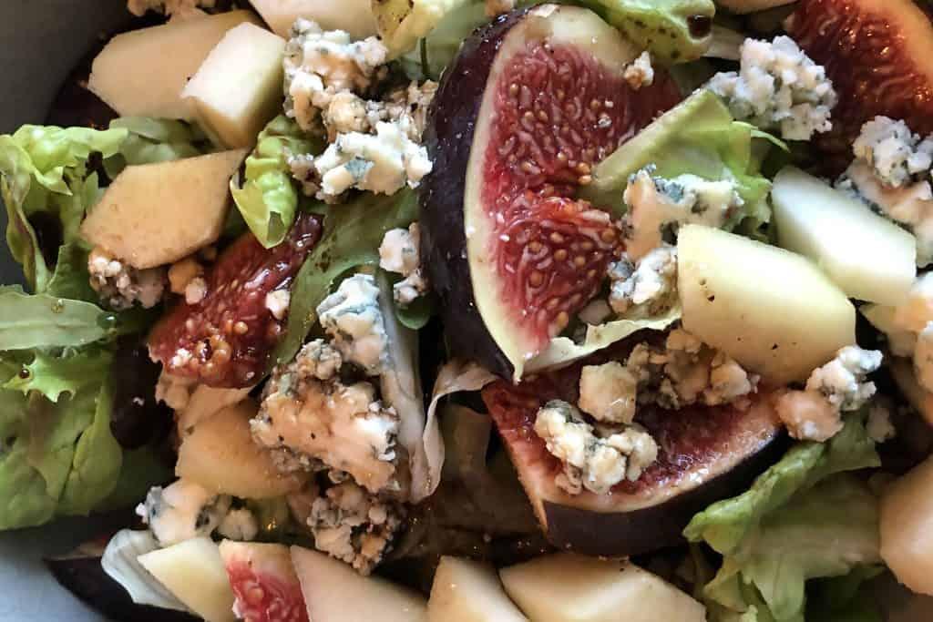 Salade met blauwe kaas en vijg